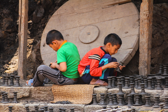 Two children working in Nepal