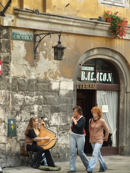 Polish Street Scene (click to enlarge)
