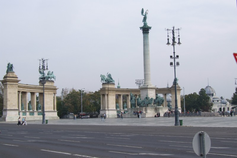 Main square in Budapest with war memorials (click to enlarge)