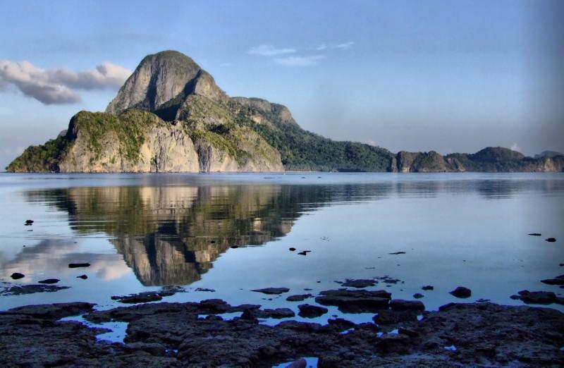 Reflecting on El Nido, Palawan (click to enlarge)